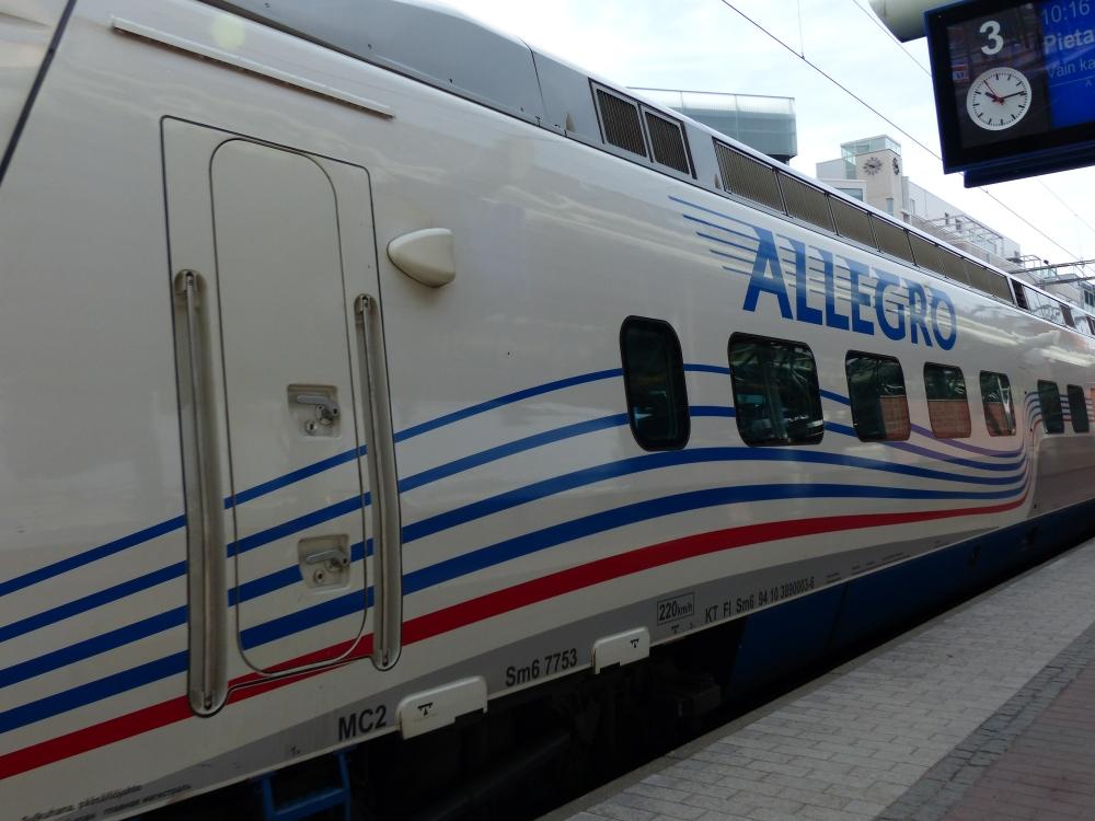 Allegro vie Pietariin.