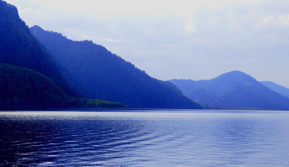 Sinine Altyn Köl - Kultajärvi Altailla.