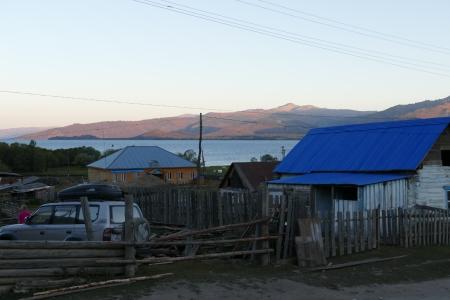 Varhaisaamu Urunhaikan kylässä Itä-Kazakstanissa.